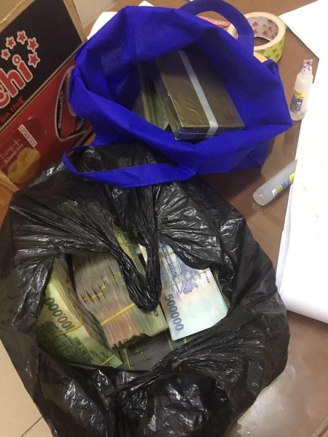 Nữ giáo viên xin hối lộ gần 1 tỷ đồng cho CSGT để xin lại 5 bánh ma túy - Ảnh 2.