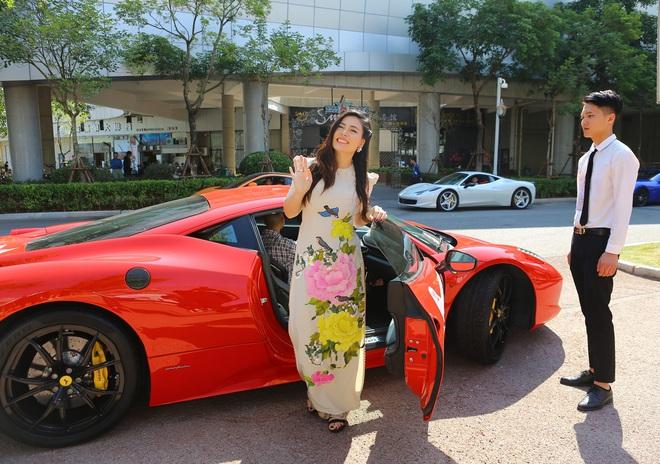 Ngọc Hiền được đưa đón bằng siêu xe khi dự sự kiện ở Trung Quốc - Ảnh 1.