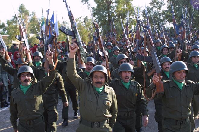 Trong chăn mới biết có rận: Hàng nghìn chiến binh chống Iran của ông Trump tự tan vỡ? - Ảnh 3.