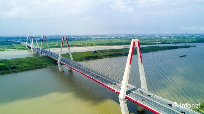 7 cây cầu huyết mạch ở Thủ đô - những dải lụa nhìn từ trên cao trong nắng - Ảnh 3.