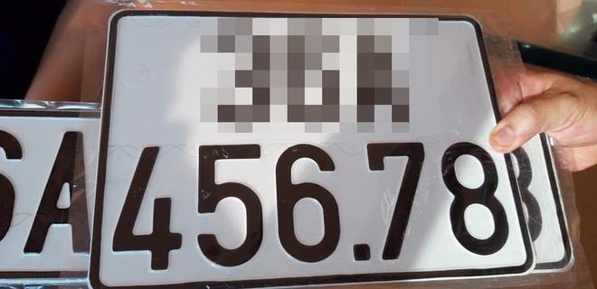 Bấm được biển số đẹp, chủ xe hơi ngay lập tức rao bán lên mạng xã hội - ảnh 1