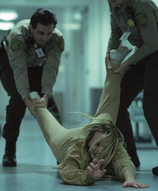 Thương hiệu kinh dị huyền thoại – The Invisible Man tung trailer mới, khiến khán giả sợ hãi, ám ảnh - ảnh 3