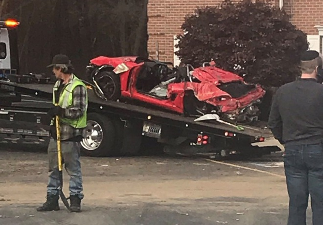 Chiếc Porsche mất lái đâm thẳng lên tầng 2 của một ngôi nhà, khiến 2 người trẻ tuổi trong xe tử vong - Ảnh 5.