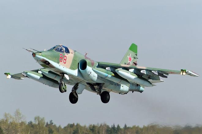 Nga âm thầm cho Su-25 trực chiến, sẵn sàng trút hỏa lực vào biên giới Syria-Thổ Nhĩ Kỳ - Ảnh 6.
