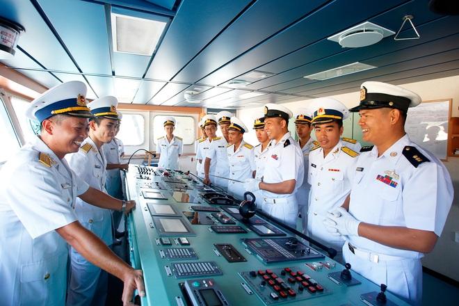 Tàu Hải quân Myanmar cập cảng Quốc tế Cam Ranh thăm Việt Nam - Ảnh 3.