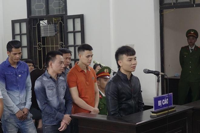 Giang hồ mạng Khá bảnh bị tuyên 10 năm 6 tháng tù giam, truy thu gần 5 tỷ đồng - Ảnh 18.