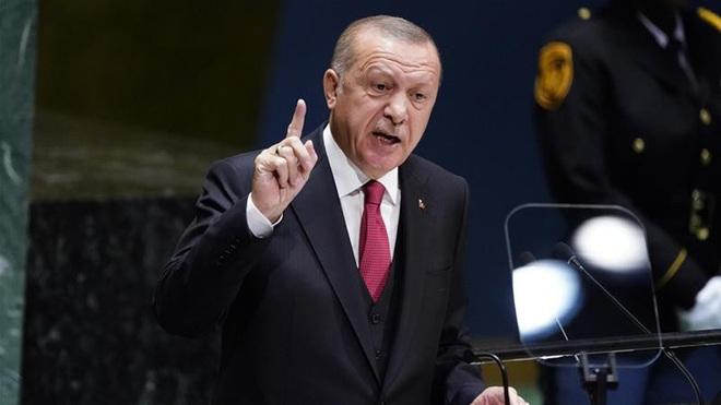 Công dân Mỹ bị Ankara trục xuất mắc kẹt ở vùng đất không người - Ảnh 1.