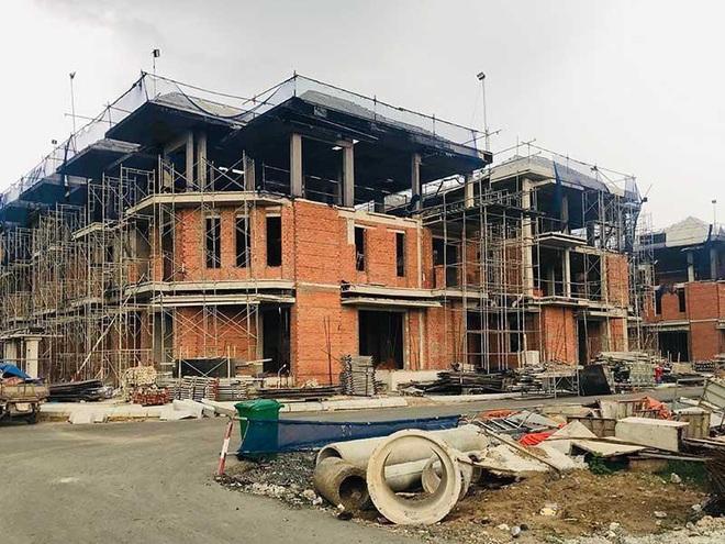 Đề nghị chưa đập bỏ 110 căn nhà tại quận 7 - Ảnh 1.