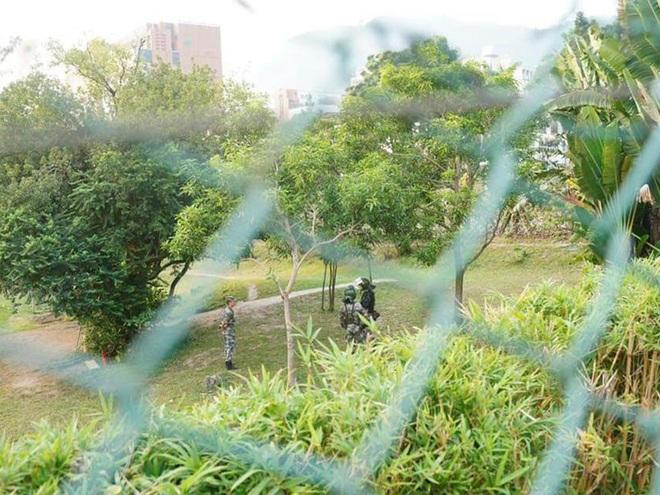 Trong cảnh nước sôi lửa bỏng, quân đội TQ đồn trú ở Hồng Kông được phát hiện có động thái hiếm - Ảnh 2.