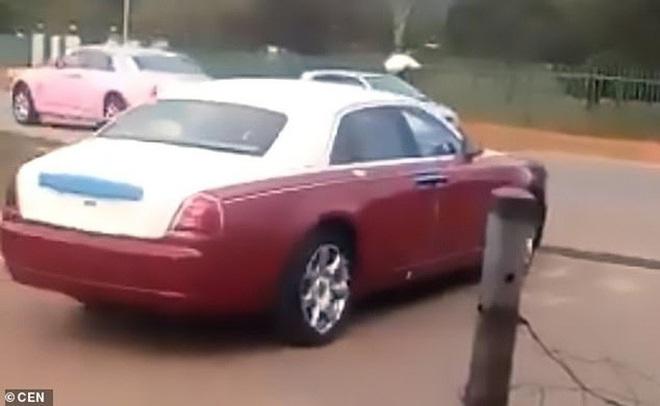 Phẫn nộ khi vua mua dàn xe sang tặng 14 bà vợ - Ảnh 4.