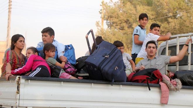 Công dân Mỹ bị Ankara trục xuất mắc kẹt ở vùng đất không người - Ảnh 3.