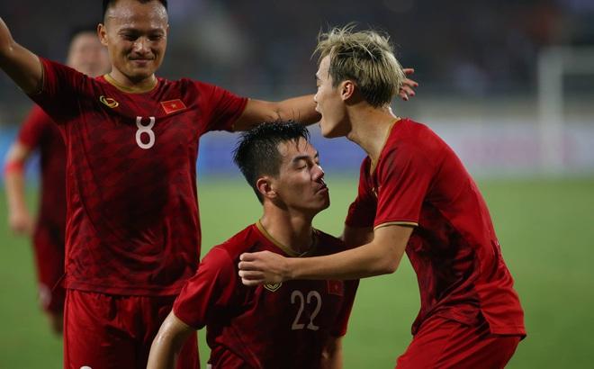 Thầy Park quật ngã UAE, nhận niềm vui nhân đôi để mở toang cửa vào vòng loại cuối World Cup