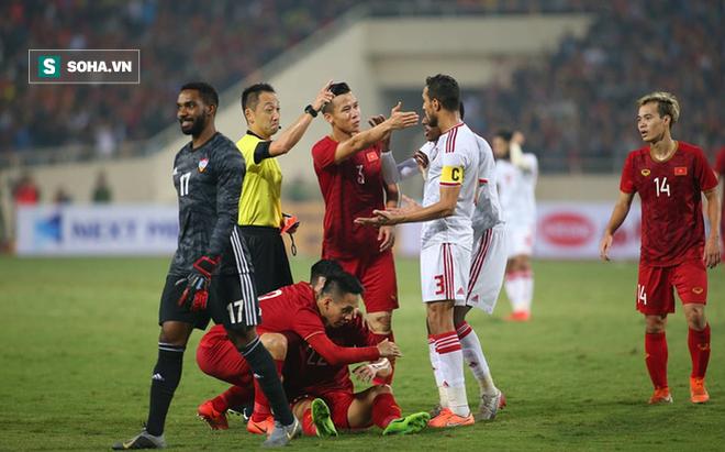 Báo UAE: Mọi thứ chao đảo trong nháy mắt, Việt Nam khắc sâu vết thương của chúng ta!