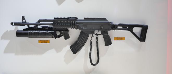2 mẫu súng Made in Vietnam đẳng cấp TG: Đột phá táo bạo, hội tụ tinh hoa Nga-Israel - Ảnh 4.
