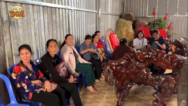 Phó GĐ Điền Quân Khương Dừa về tận chùa mời 5 chú tiểu quay lại thi Thách thức danh hài - Ảnh 4.