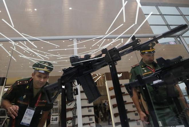 Dùng đạn địch, đánh địch: Súng AK mới sẽ khiến lính Mỹ và đồng minh NATO ngã ngửa? - Ảnh 2.