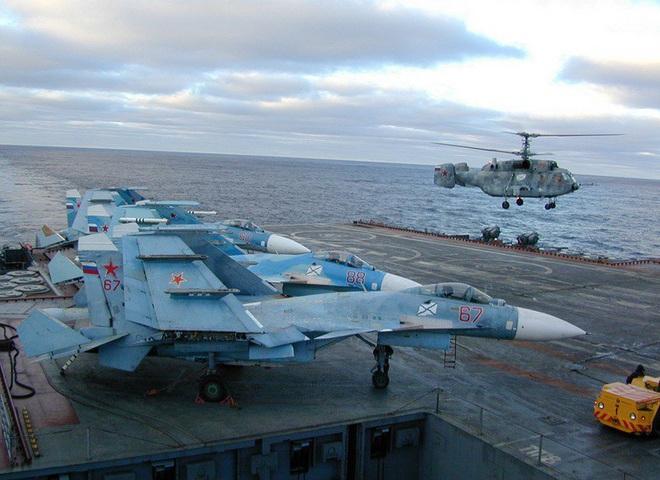 Phi công hải quân Nga buộc phải luyện tập trên... tàu sân bay hỏng? - ảnh 11