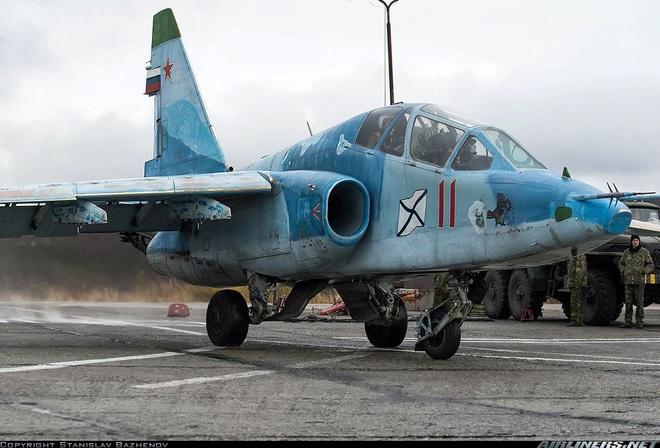 Phi công hải quân Nga buộc phải luyện tập trên... tàu sân bay hỏng? - ảnh 14