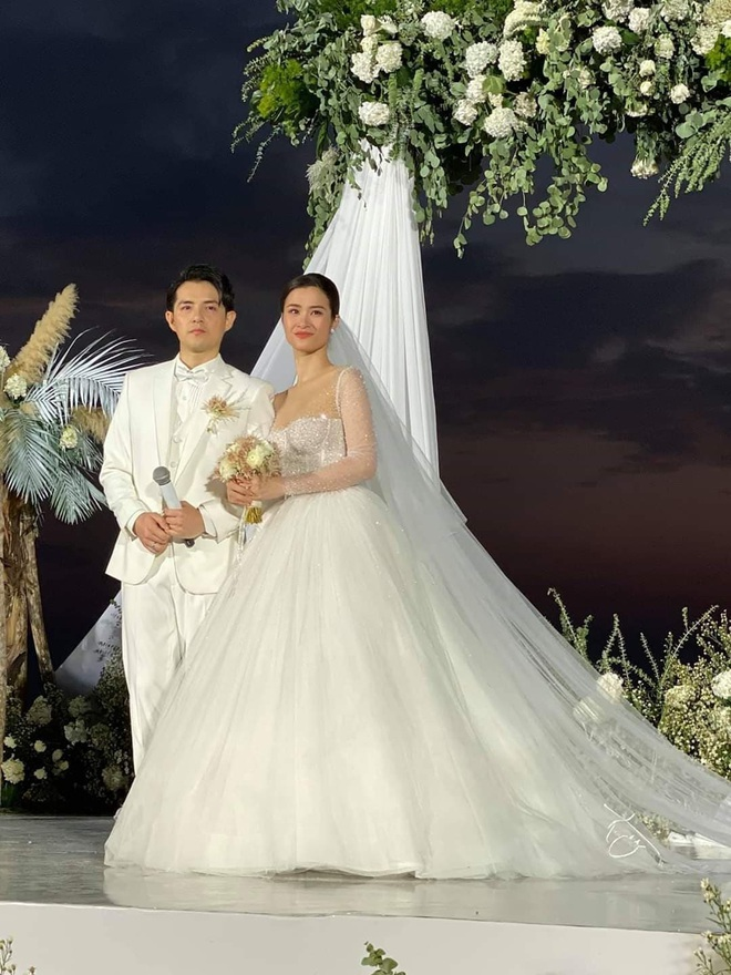 Đông Nhi hé lộ sự cố nhớ đời trong đám cưới 10 tỷ ở Phú Quốc - ảnh 2