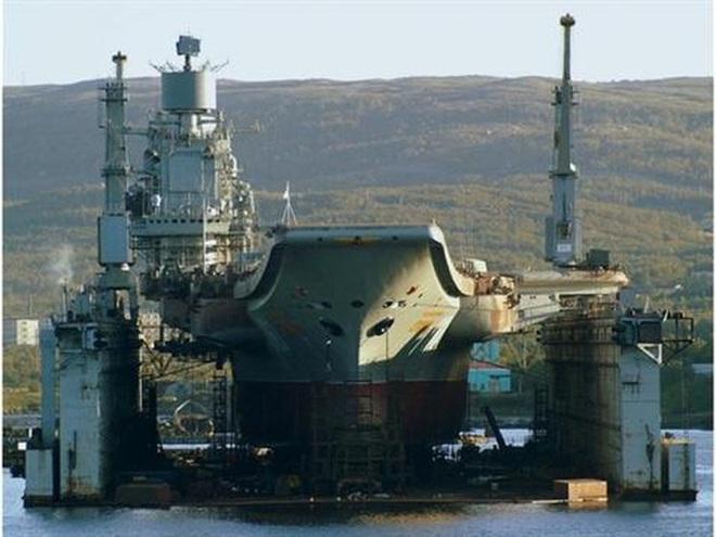Phi công hải quân Nga buộc phải luyện tập trên... tàu sân bay hỏng? - ảnh 3