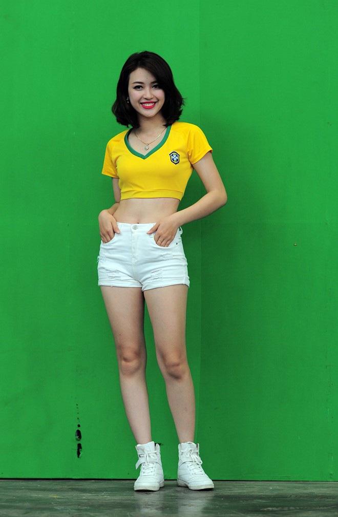 Khánh Chi của Nóng cùng EURO 2016: Cuộc sống hạnh phúc hơn sau 4 năm sống với danh xưng hot girl - ảnh 1