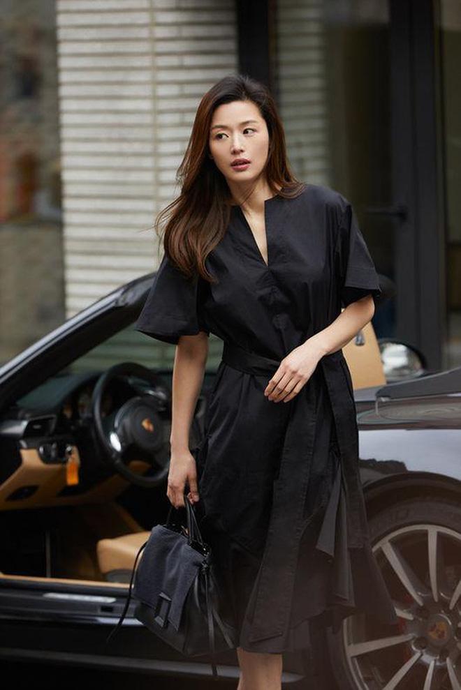 Cô nàng ngổ ngáo Jun Ji Hyun: Ngọc nữ vạn người mê thành con dâu gia tộc tài phiệt Hàn Quốc - Ảnh 11.