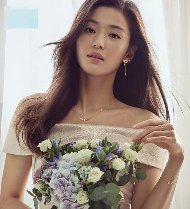 Cô nàng ngổ ngáo Jun Ji Hyun: Ngọc nữ vạn người mê thành con dâu gia tộc tài phiệt Hàn Quốc - Ảnh 5.