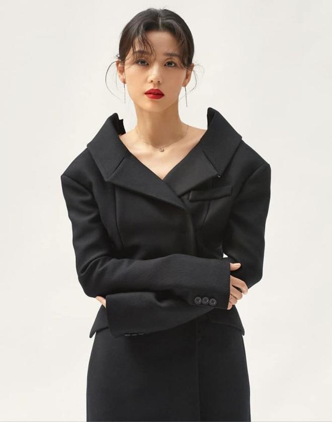 Cô nàng ngổ ngáo Jun Ji Hyun: Ngọc nữ vạn người mê thành con dâu gia tộc tài phiệt Hàn Quốc - Ảnh 12.