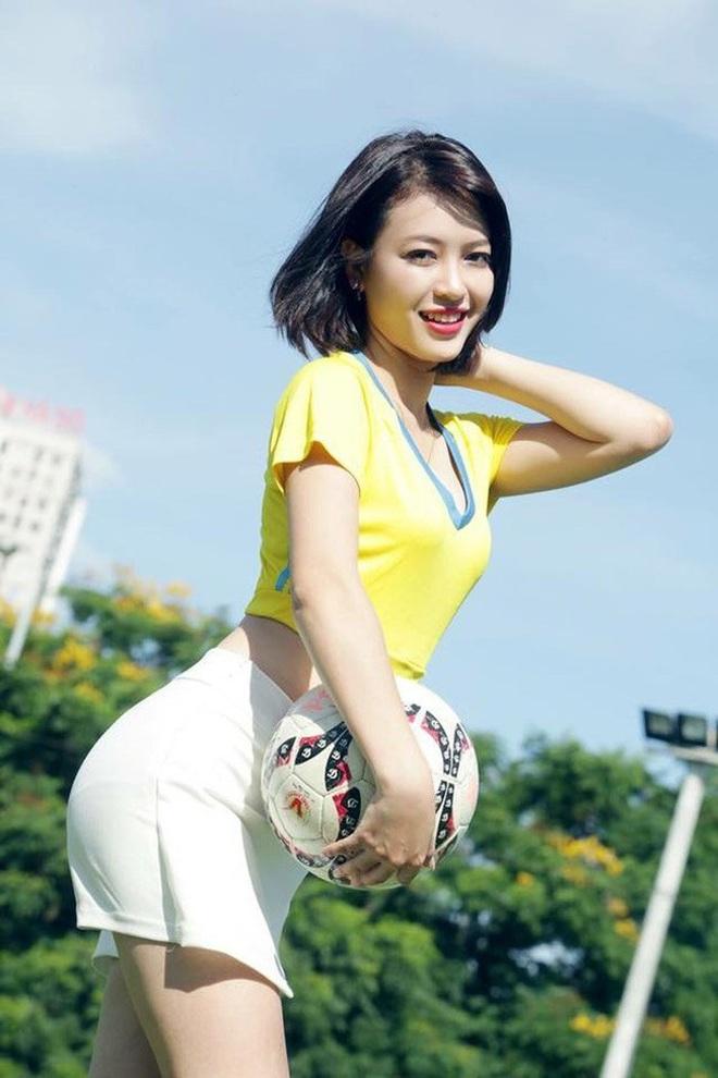 Khánh Chi của Nóng cùng EURO 2016: Cuộc sống hạnh phúc hơn sau 4 năm sống với danh xưng hot girl - ảnh 2