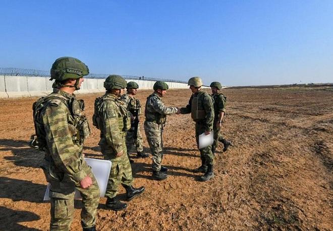 CẬP NHẬT: Trực thăng tấn công Nga rầm rập đổ bộ căn cứ Mỹ, lính đặc nhiệm phong tỏa hiện trường - Như phim hành động - Ảnh 19.
