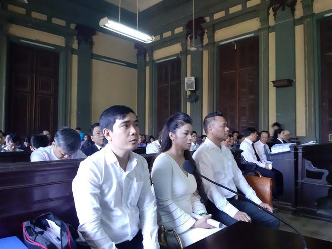 Ông Vũ muốn xử kín khi bà Thảo vừa đề nghị xử công khai  - Ảnh 1.