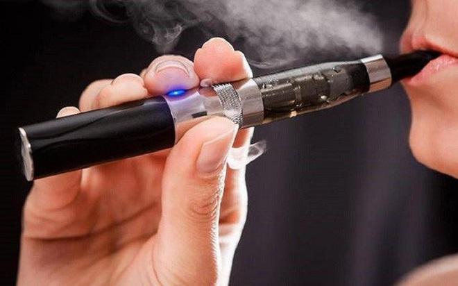 Công bố bất ngờ về tác hại chết người của thuốc lá điện tử - Ảnh 1.
