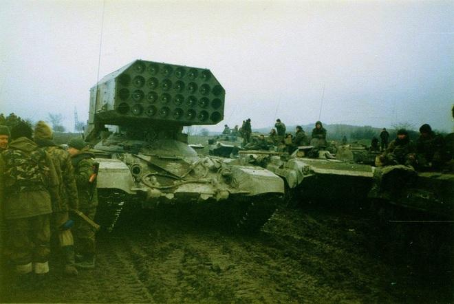 Nga chuẩn bị đưa pháo phản lực TOS-1 đến Syria? - ảnh 4
