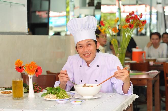 Hoài Linh: Tôi vẫn chạy show tỉnh, hội chợ đều - Ảnh 3.