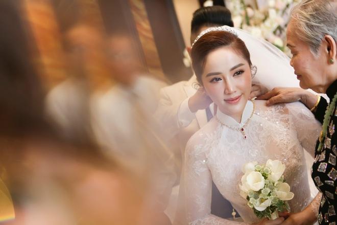 Lộ hình ảnh Bảo Thy trong bữa tiệc sau lễ rước dâu - Ảnh 5.