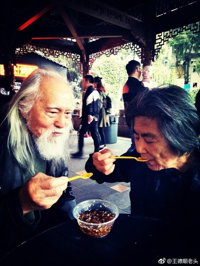 Tài tử đẹp lão nhất Trung Quốc: 83 tuổi vẫn tập gym, làm người mẫu, đóng cảnh hành động - Ảnh 11.