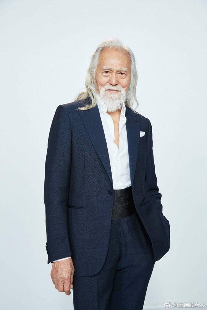 Tài tử đẹp lão nhất Trung Quốc: 83 tuổi vẫn tập gym, làm người mẫu, đóng cảnh hành động - Ảnh 1.