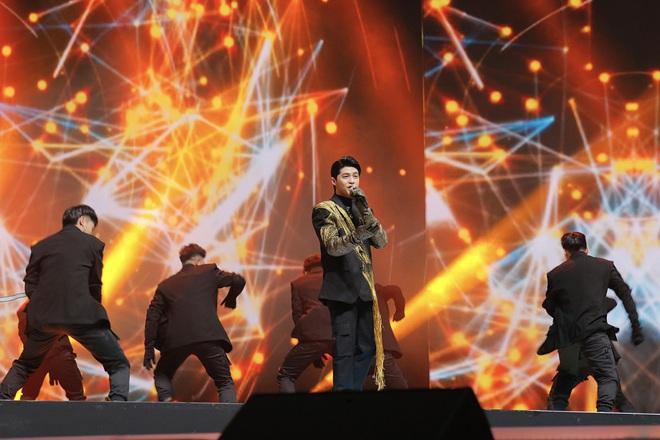 Noo Phước Thịnh tự tin biểu diễn trước hơn 25 nghìn khán giả, được báo Hàn hết lời khen ngợi - ảnh 6