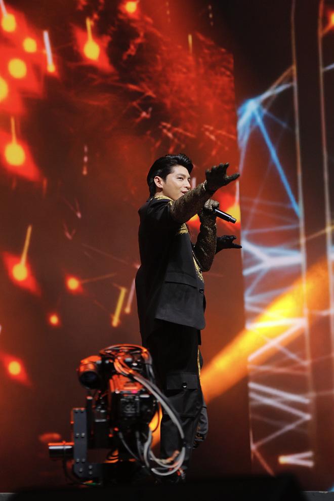 Noo Phước Thịnh tự tin biểu diễn trước hơn 25 nghìn khán giả, được báo Hàn hết lời khen ngợi - ảnh 7