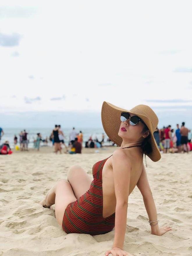 """Loạt ảnh bikini nóng """"bỏng mắt"""" của ca sĩ Phương Linh - ảnh 2"""