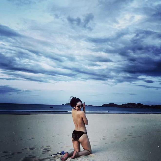 """Loạt ảnh bikini nóng """"bỏng mắt"""" của ca sĩ Phương Linh - ảnh 11"""