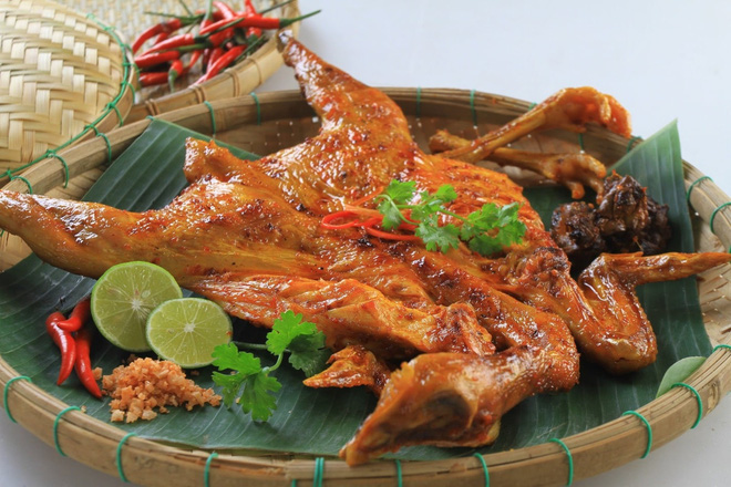 Thịt gà đại bổ nhưng những người mắc dù 1 trong 6 bệnh này cũng nên tránh ăn nếu không muốn bệnh tình thêm nặng - Ảnh 4.