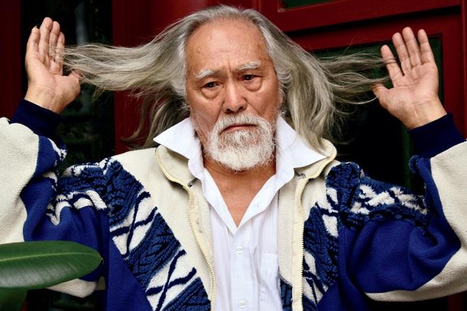 Tài tử đẹp lão nhất Trung Quốc: 83 tuổi vẫn tập gym, làm người mẫu, đóng cảnh hành động - Ảnh 7.