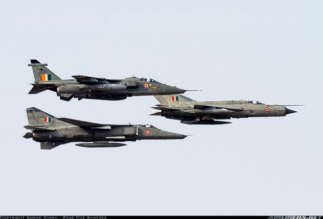 Máy bay rụng như sung, phải mua đồ tân trang: Nhìn xa trông rộng kiểu không quân Ấn Độ? - Ảnh 4.