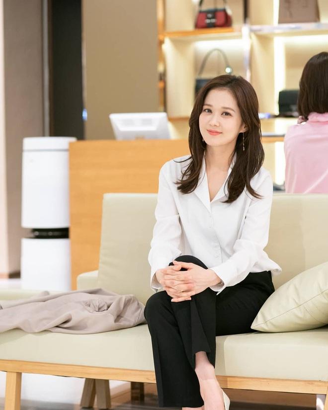 """Jang Nara ở tuổi U40: Đẹp trong sáng như thiếu nữ đôi mươi, được ca tụng là """"cực phẩm nhan sắc"""" - Ảnh 1."""