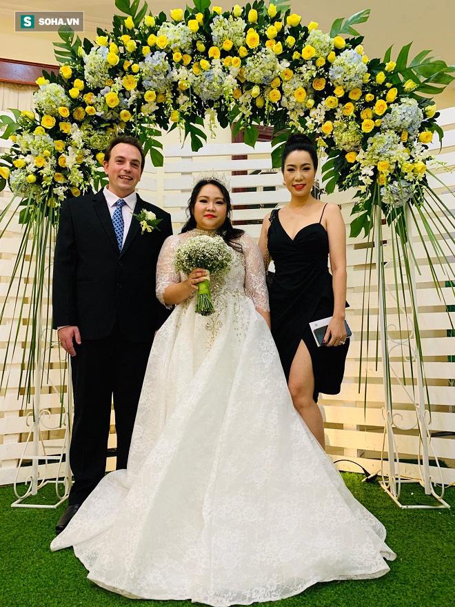 Con gái lấy chồng tây, nghệ sĩ Trung Dân: Tôi nói chuyện bằng tay mà nó hiểu hết - ảnh 6