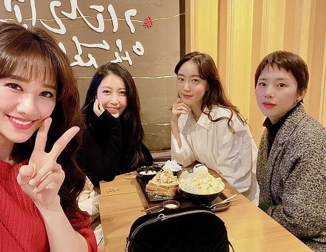 Hội bạn thân Hàn Quốc của Hari Won: Toàn các cô gái xinh đẹp gây xao xuyến - Ảnh 3.