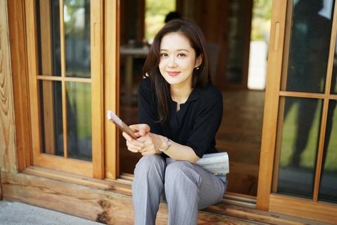 """Jang Nara ở tuổi U40: Đẹp trong sáng như thiếu nữ đôi mươi, được ca tụng là """"cực phẩm nhan sắc"""" - Ảnh 2."""