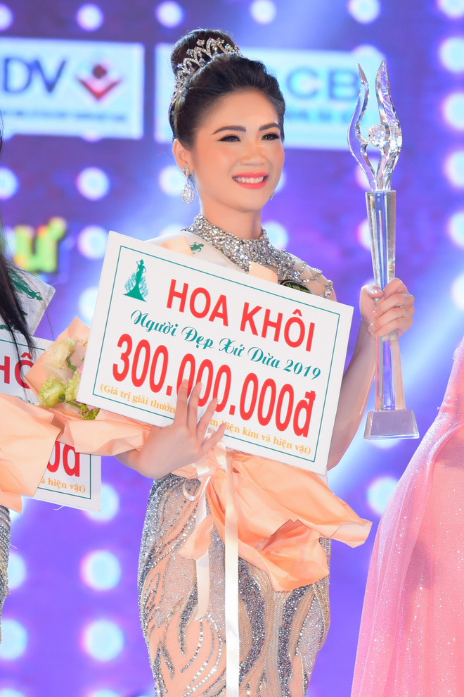 Bùi Kim Quyên đăng quang Người đẹp Xứ dừa 2019 - Ảnh 8.