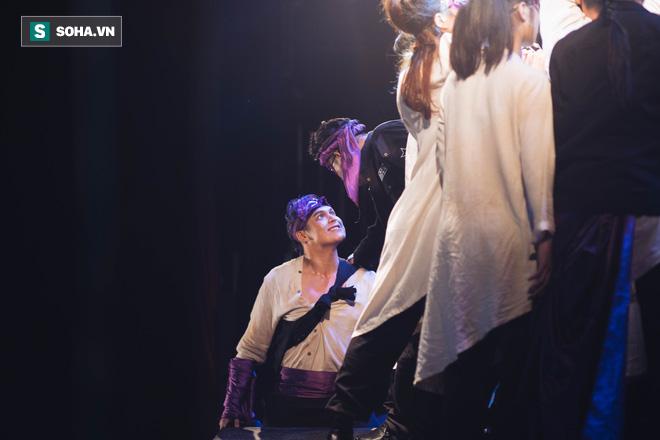 Say vai, suýt siết cổ bạn diễn ngạt thở và một đêm căng thẳng của diễn viên Minh Cúc  - Ảnh 12.